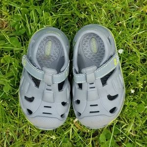 Toddler foam shoes